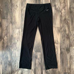 Nike size medium tell yoga pants black